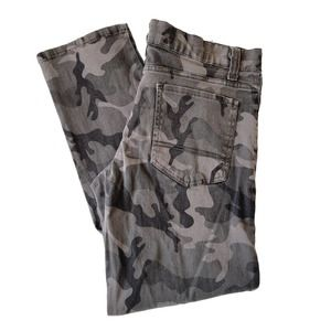 WT02 Grey Camouflage Jeans 32x30